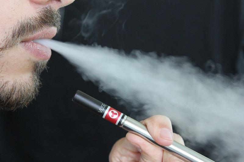 Arrêter de fumer en utilisant des cigarettes électroniques