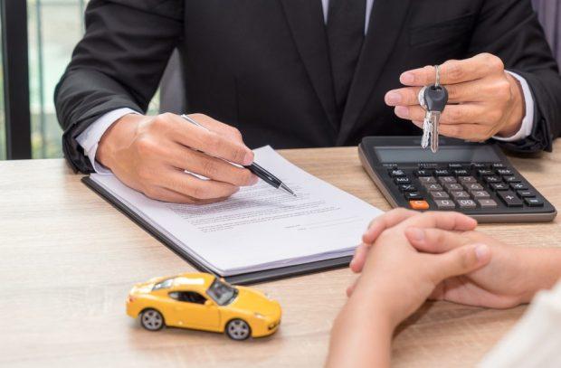 Attention aux crédits auto des concessionnaires