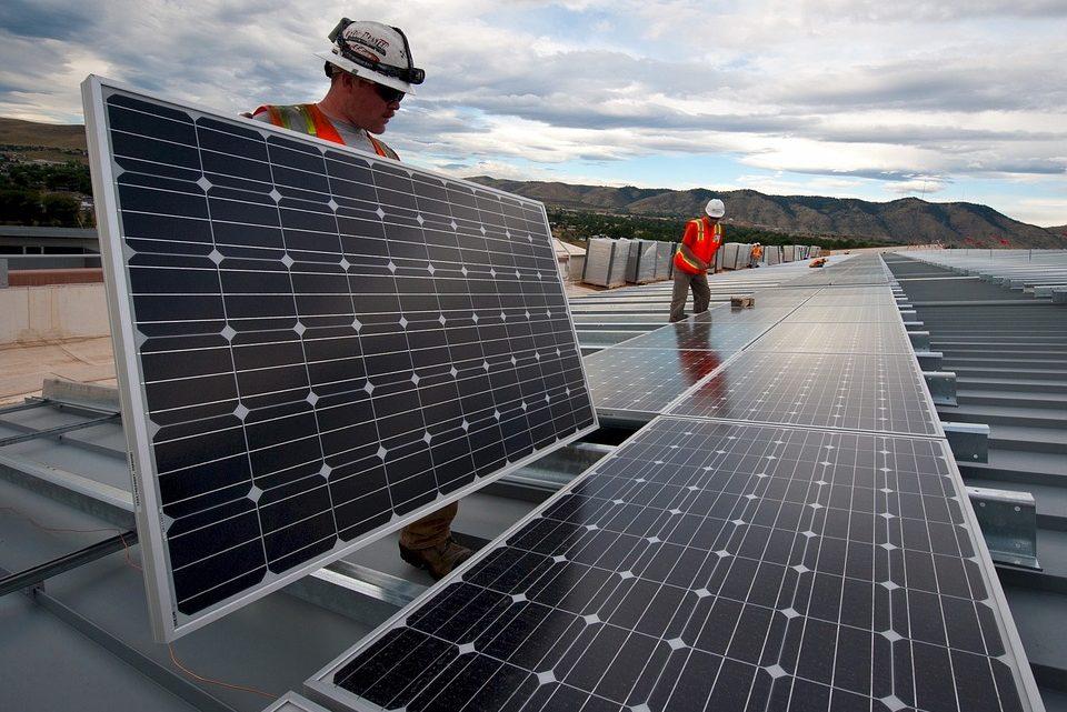Tout savoir sur les normes belges de qualité et de sécurité des panneaux photovoltaïques