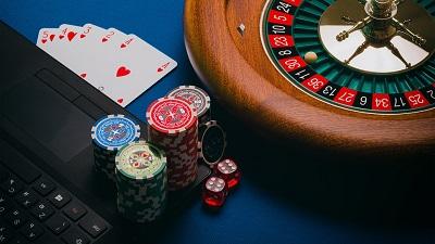 Poker en ligne : le guide détaillé pour gagner